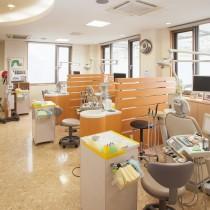 清潔感のある治療室内